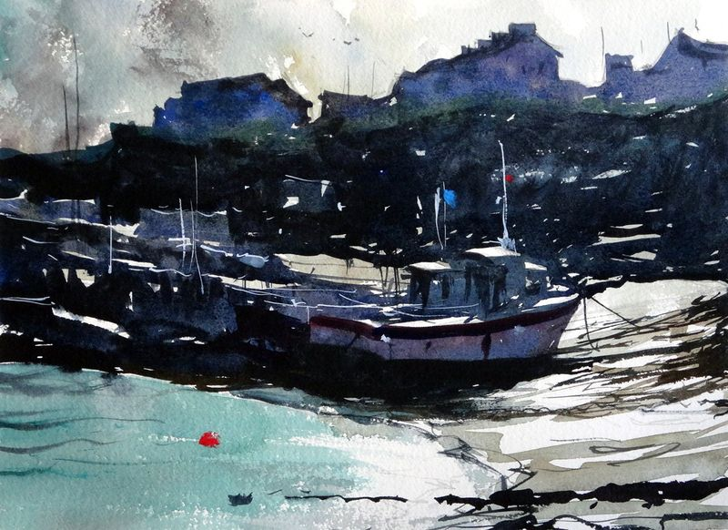 Newquay_harbour_boats_along_water_edge